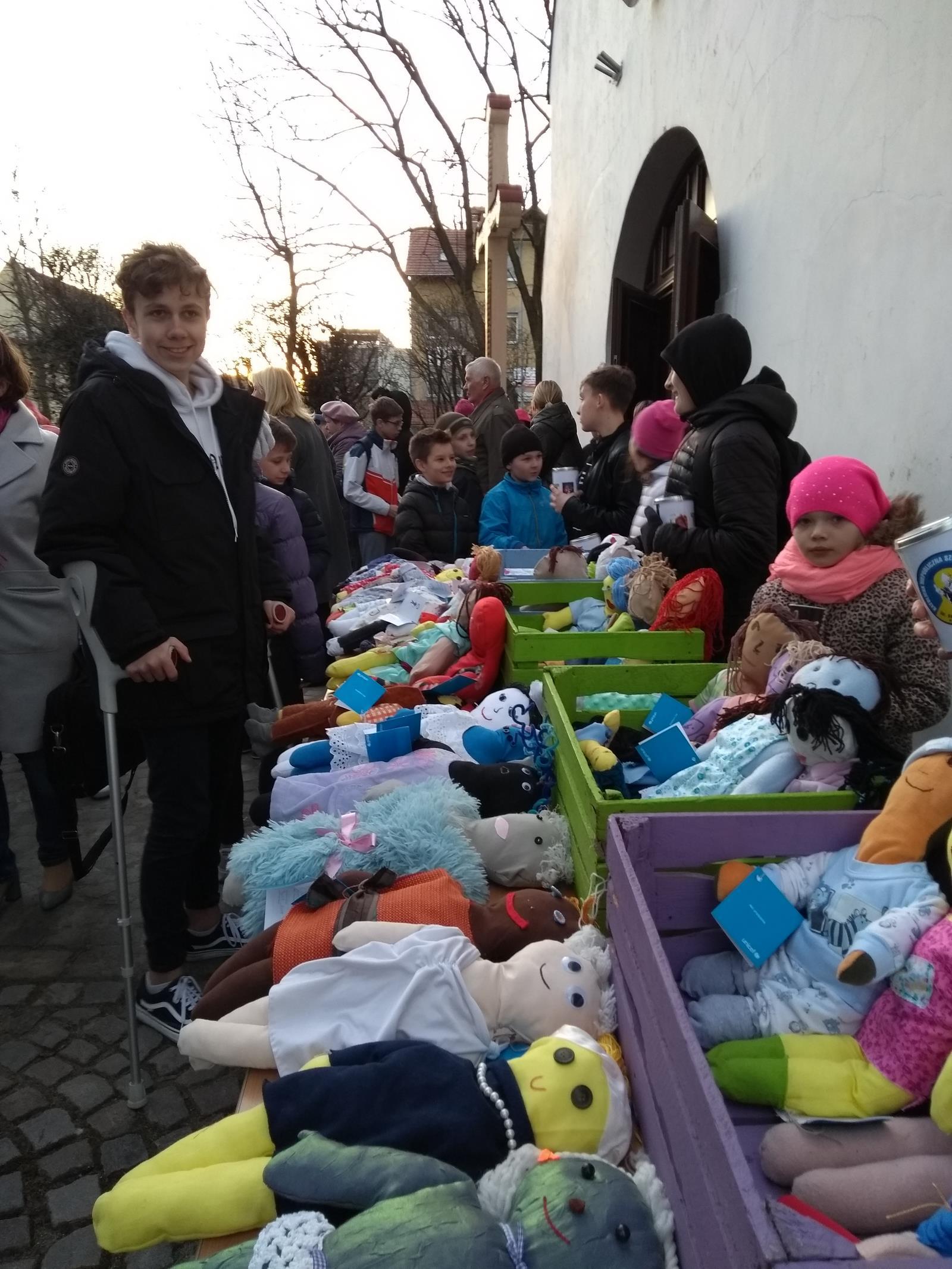 Relacja z Drogi Krzyżowej i Akcji UNICEF