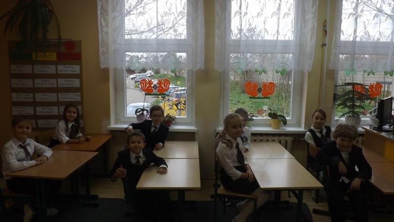 Cieszymy się z nowych okien w klasie II