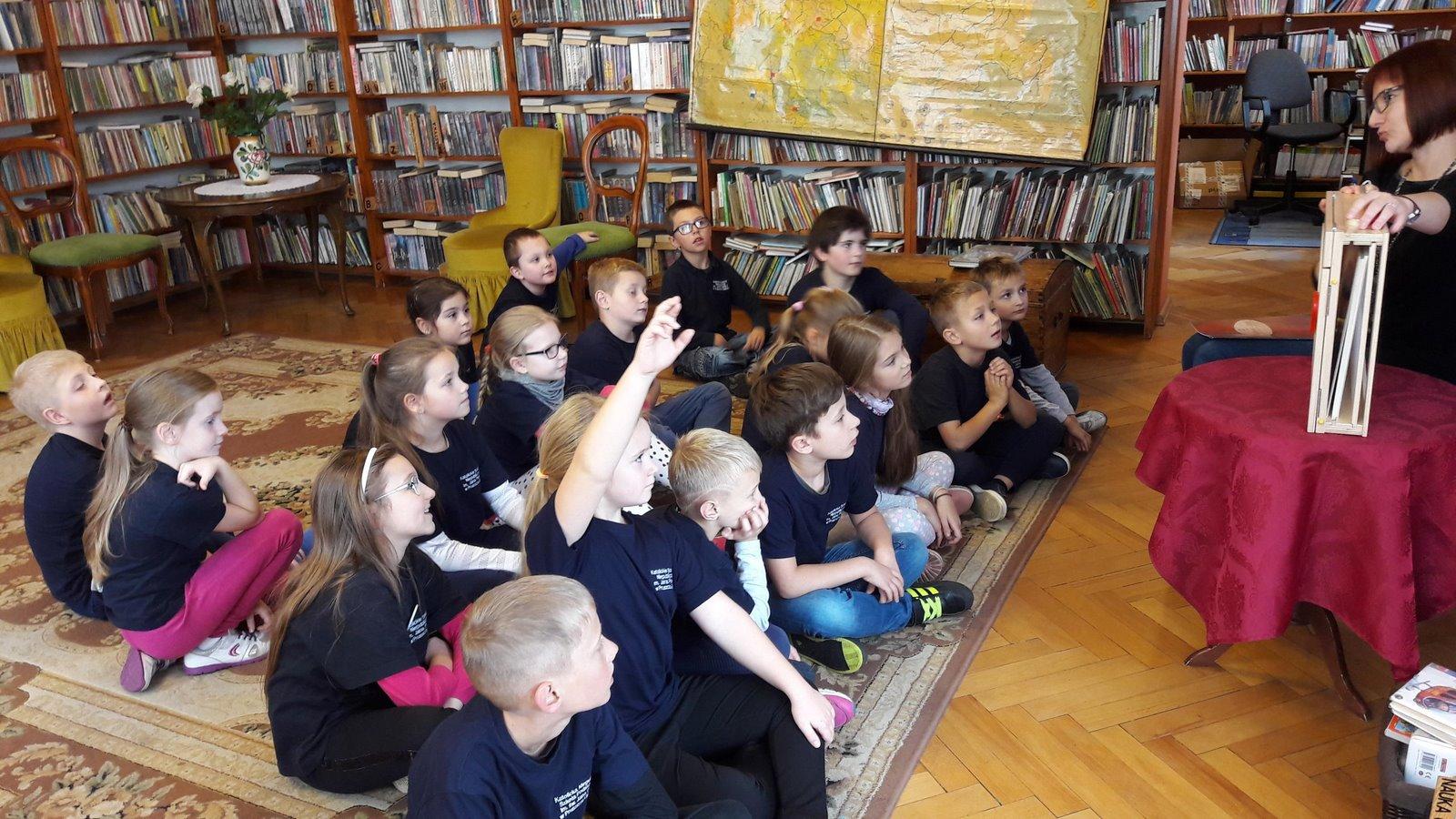 """Teatr KAMISHIBAI """"Wojenne dzieci"""""""