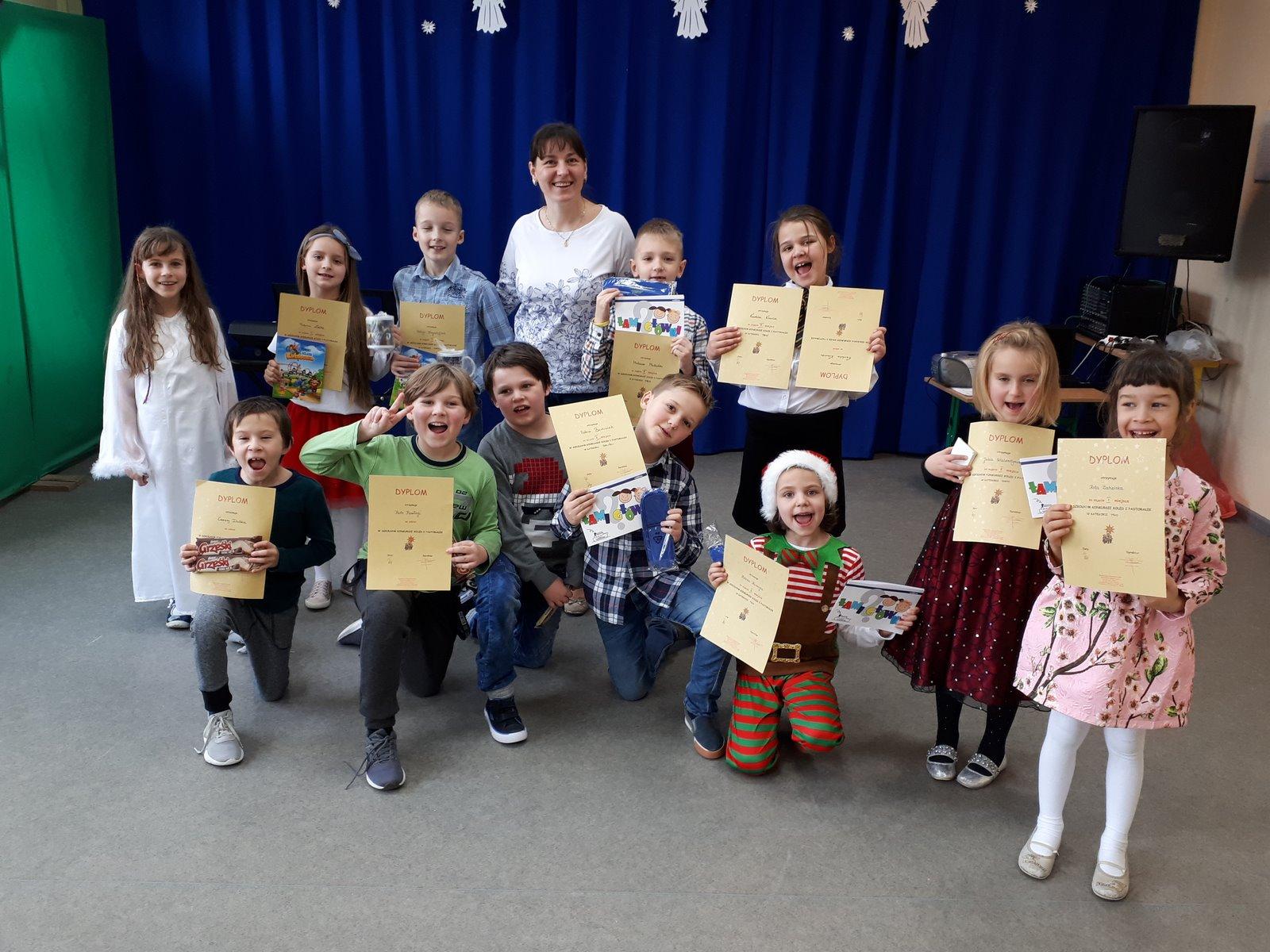 Konkurs kolęd i pastorałek po angielsku i po polsku w naszej szkole:)